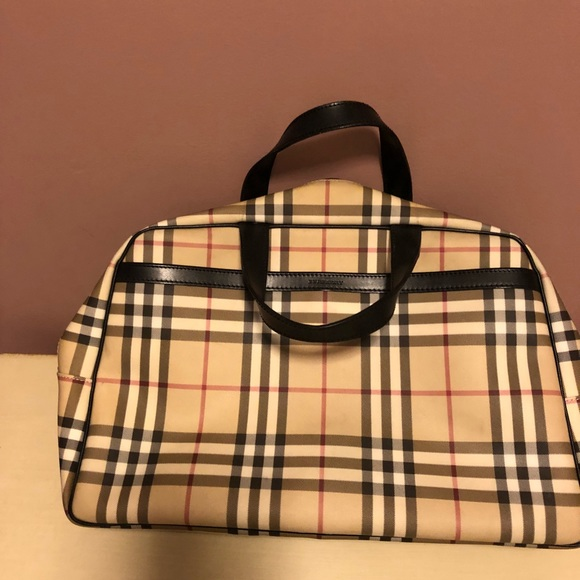 Burberry Handbags - Authentic Burberry travel bag satchel 15bab14ad6d05